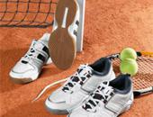 Breitensport Tennisschuhe auf Platz